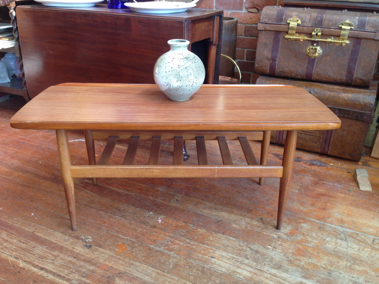 48 RETRO COFFEE TABLE $160