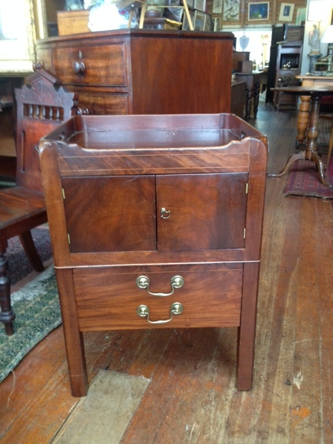 79 TRAY TOP COMMODE $950