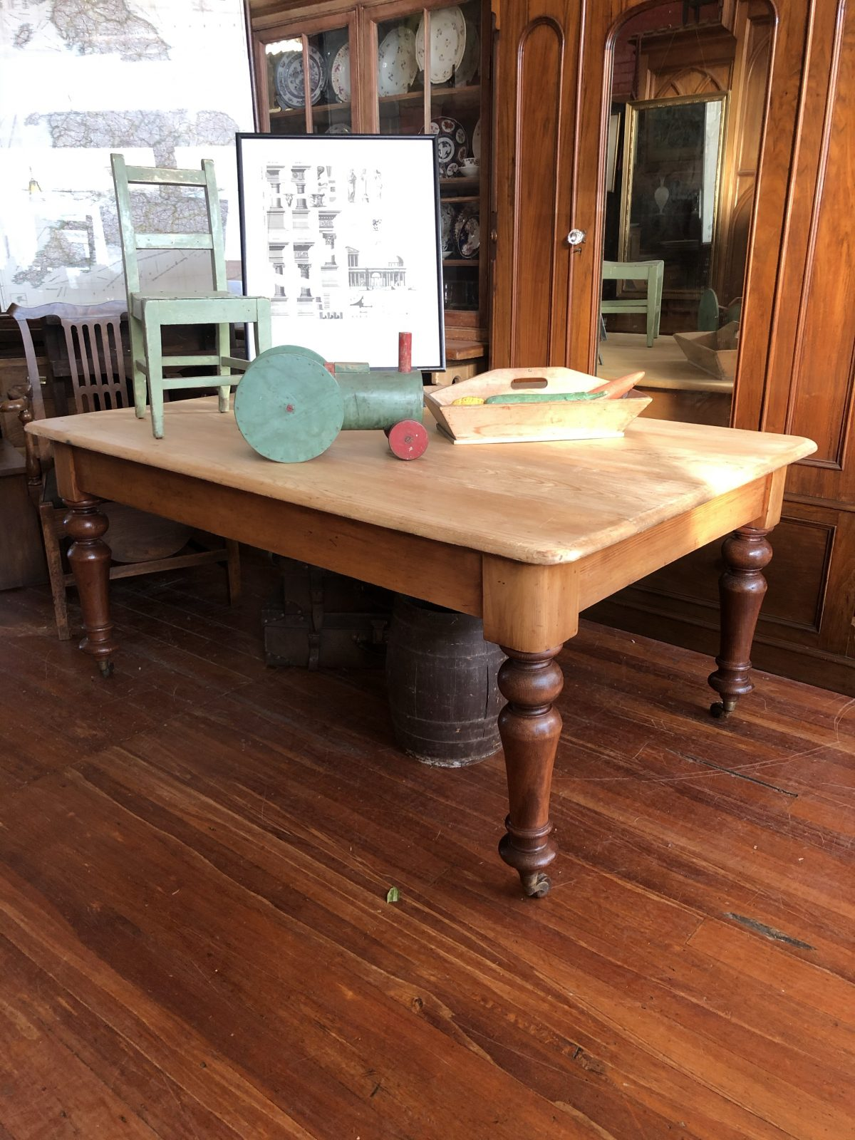 170. Kauri Kitchen Table